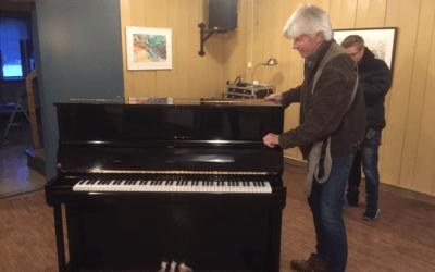 NYTT PIANO TIL GÅRDS